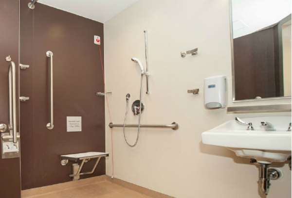 Spacious and accessible shower room facilities in the new Slaight Family Labour & Delivery Unit